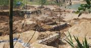 """""""Vàng tặc"""" ở Bồng Miêu: Tiền công ngày 200 nghìn, thấy công an là phải trốn"""
