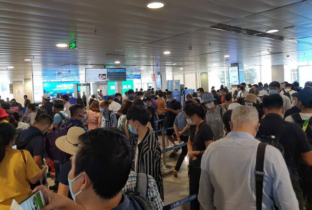 Sân bay Tân Sơn Nhất, ngày cao điểm 631 chuyến bay, gần 100.000 hành khách - 4