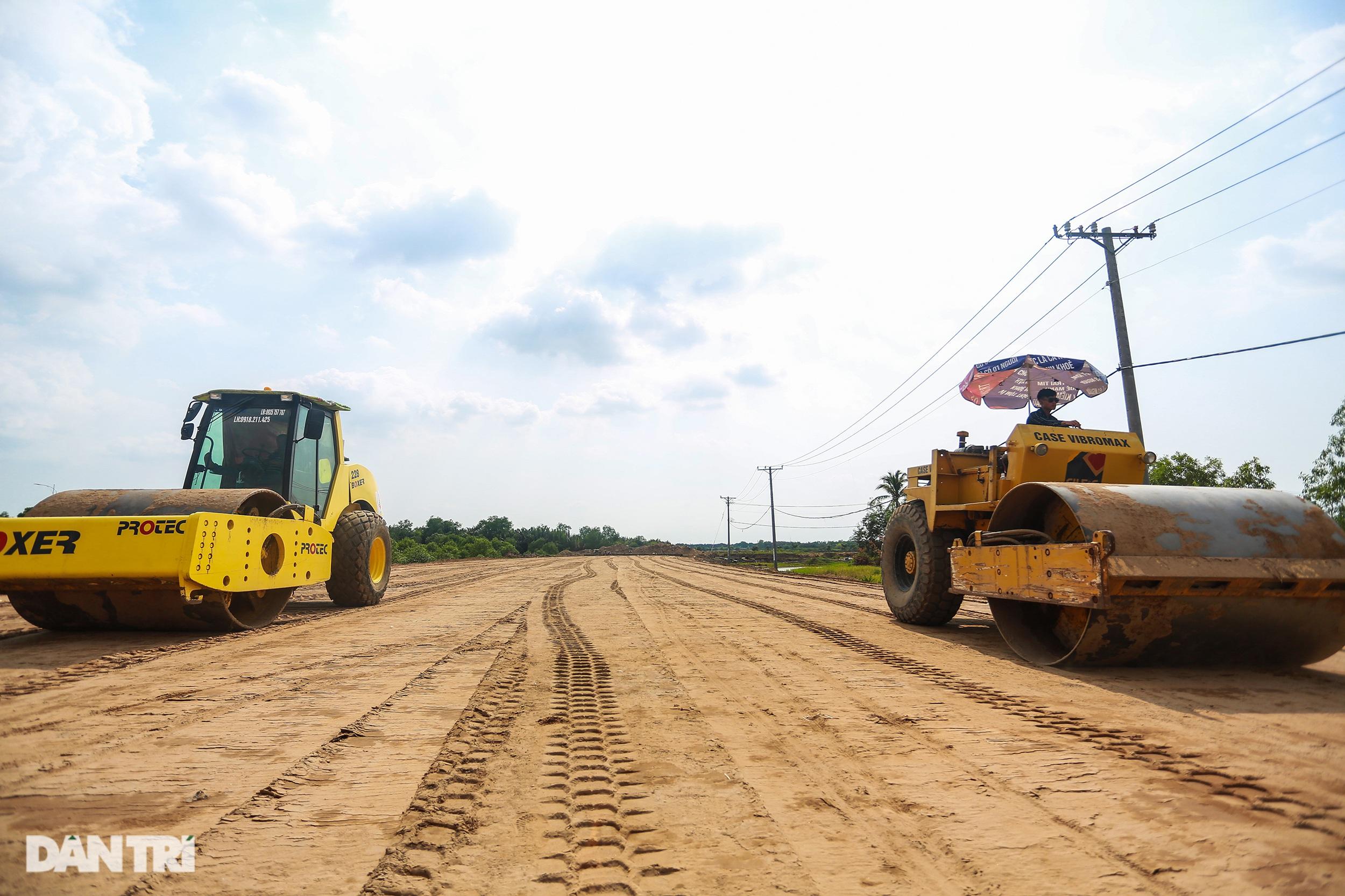 Gấp rút thi công các nút giao trọng điểm cao tốc Long Thành - Dầu Giây - 14