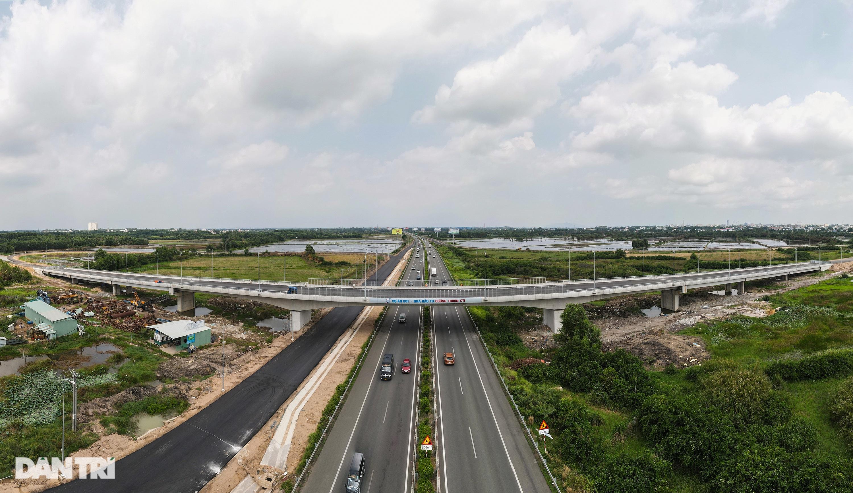Gấp rút thi công các nút giao trọng điểm cao tốc Long Thành - Dầu Giây - 16