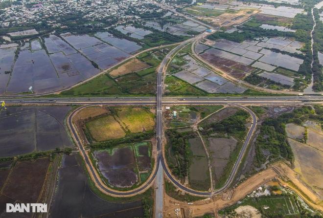 Gấp rút thi công các nút giao trọng điểm cao tốc Long Thành - Dầu Giây - 9