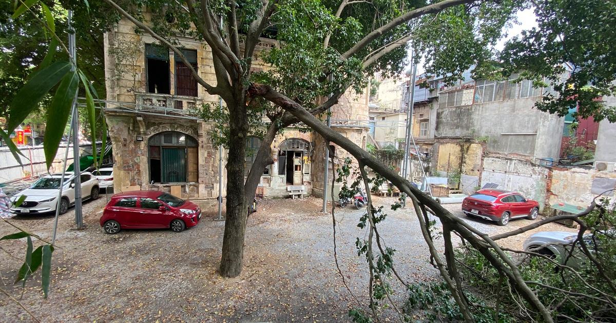 Biệt thự cổ trên đất vàng Hà Nội xuống cấp, bỏ hoang, dùng làm bãi trông xe