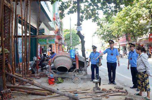 Hà Nội: Tăng cường xử kiểm tra, xử lý các vi phạm về an toàn giao thông, trật tự đô thị