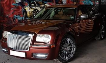 Dân chơi Đắk Lắk chi 200 triệu để biến xe Chrysler thành Rolls-Royce