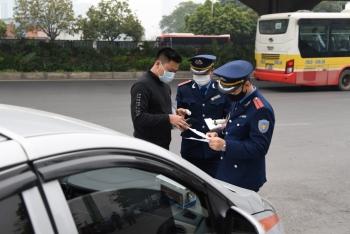 Hà Nội: Trong 1 tháng, thanh tra giao thông xử phạt hàng trăm xe taxi