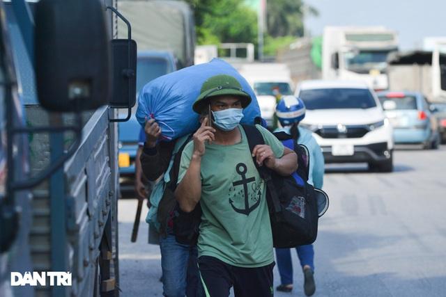 Lo ngại cách ly, đoàn rước dâu quay xe khi gần tới nhà trai ở Thuận Thành - 7