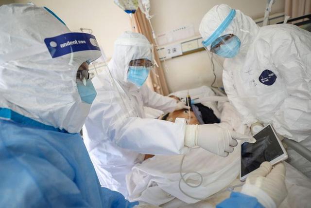 Tâm thư của Bộ trưởng Y tế Nguyễn Thanh Long gửi nhân viên y tế toàn ngành: Không vì rủi ro, thiệt thòi mà chùn bước