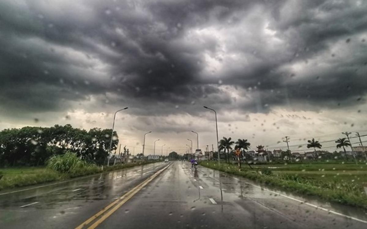 Thời tiết hôm nay 9/6/2021: Bắc Bộ mưa dông, Trung Bộ nắng nóng