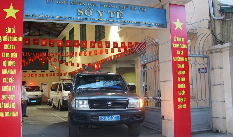 Chùm ảnh: Chủ tịch UBND TP Chu Ngọc Anh tiễn