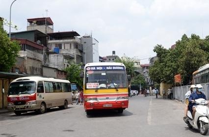 Hà Nội: Dừng các tuyến buýt kế cận chạy đến các tỉnh có dịch Covid-19