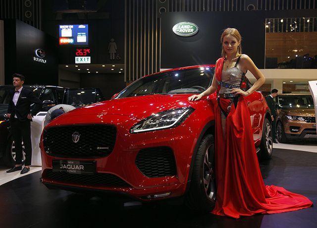 dong loat trieu hoi xe land rover va jaguar tai viet nam