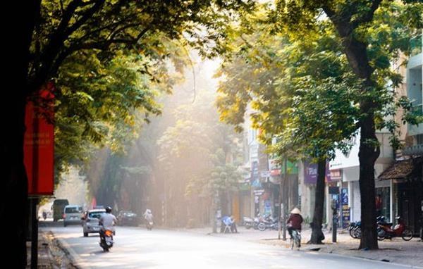 Bắc Bộ và Nam Bộ mưa dông, Trung Bộ tiếp tục nắng nóng gay gắt
