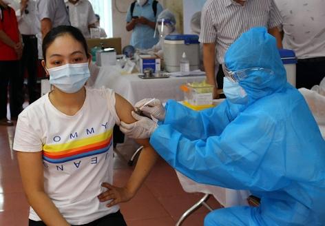 TP HCM: Các đối tượng được tiêm miễn phí vắc xin phòng dịch Covid-19 đợt 4