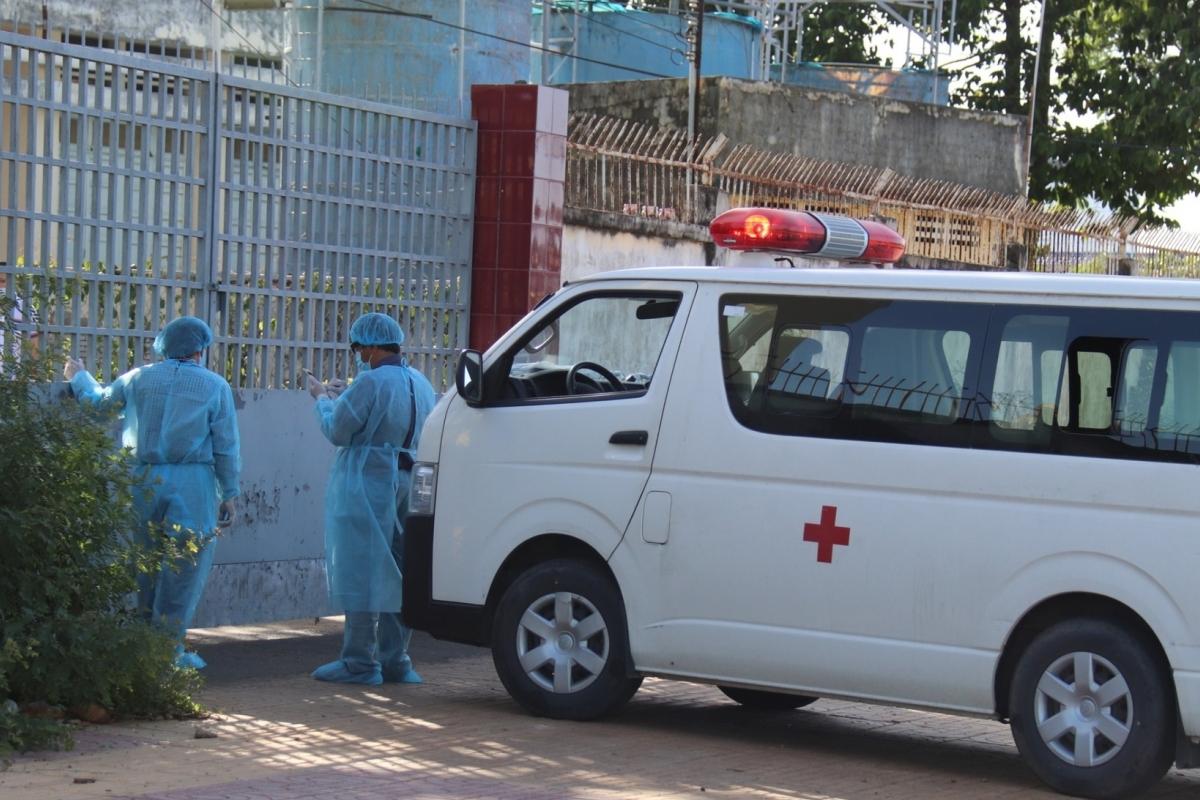 Bình Thuận có ca nghi mắc Covid-19 đầu tiên, 1 bệnh viện ngừng tiếp nhận bệnh nhân