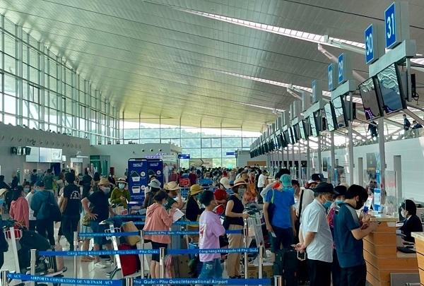 Kiên Giang đề xuất dừng các chuyến bay chở khách từ TP HCM đến Phú Quốc và ngược lại