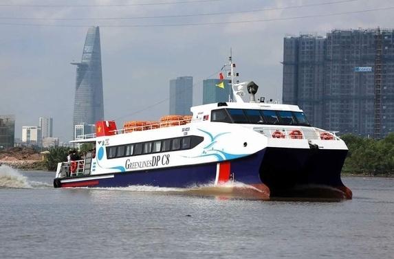 """TP HCM tạo """"luồng xanh"""" đường thủy, dùng tàu cao tốc chở nhu yếu phẩm"""