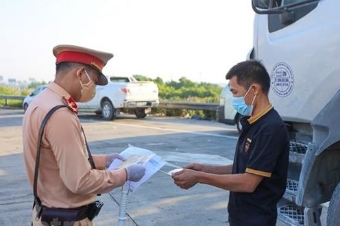 Miễn kiểm giấy xét nghiệm Covid-19 lái xe vận chuyển hàng hóa nội vùng 19 tỉnh phía Nam