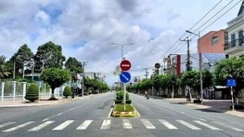 Hàng loạt tỉnh phía Nam yêu cầu người dân hạn chế ra đường sau 18h