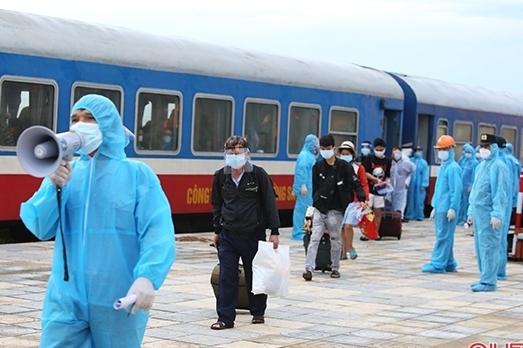 Hà Tĩnh chuẩn bị đón gần 800 người về quê bằng máy bay