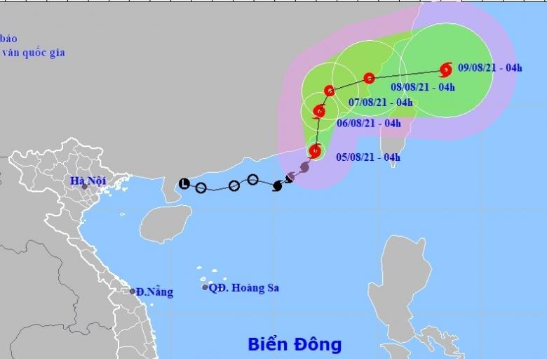 Bão số 4 di chuyển theo hướng Bắc, biển động rất mạnh
