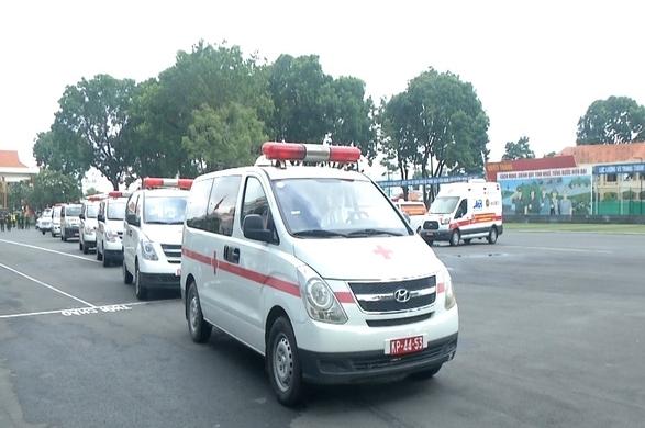 TP HCM: Nhận bàn giao 30 xe cứu thương, đẩy nhanh triển khai trạm y tế lưu động