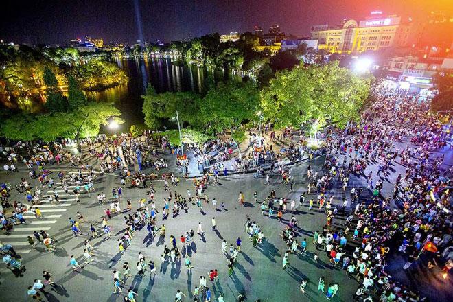 Hà Nội tiếp tục hạn chế hoạt động mít tinh, lễ hội, sự kiện đông người tại nơi công cộng