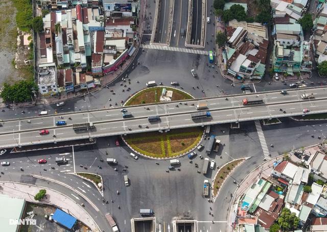 TPHCM khánh thành nút giao thông 3 tầng ở cửa ngõ Tây Bắc - 4