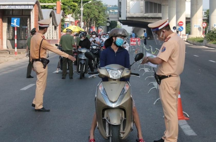 Hà Nội: Duy trì kiểm soát, không cấp giấy đi đường kể từ 6h ngày 21/9