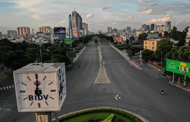 Bí thư TP HCM lý giải vì sao thành phố cần thêm 2 tuần để kiểm soát dịch