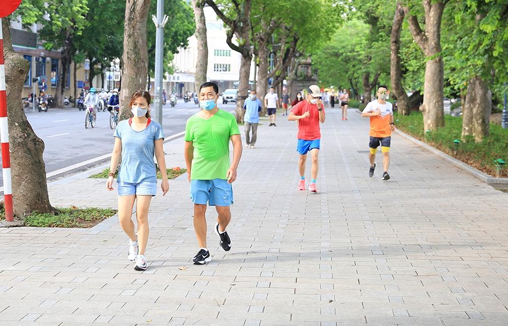 Người dân Hà Nội được tập thể dục ngoài trời từ ngày 28/9