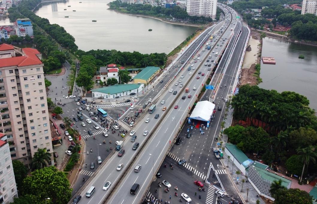 Hà Nội: Thông xe cầu vượt hồ Linh Đàm