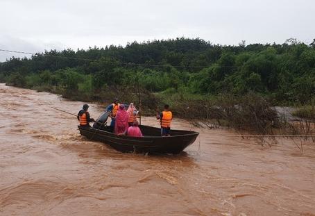 4 người chết và mất tích vì mưa lũ nặng nề
