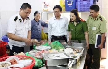 Hà Nội xử phạt 16 cơ sở vi phạm an toàn thực phẩm gần 270 triệu đồng