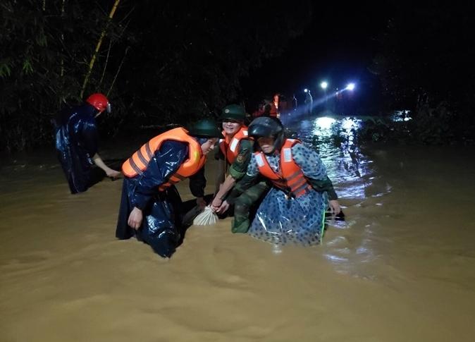 37 người chết và mất tích do mưa lũ miền Trung