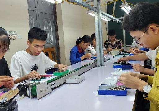 Hà Nội: Hơn 127 tỷ đồng trợ cấp thất nghiệp đã đến với người lao động