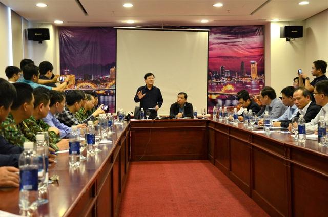 Phó Thủ tướng: Lên phương án dùng máy bay tìm kiếm 26 thuyền viên mất tích - 2