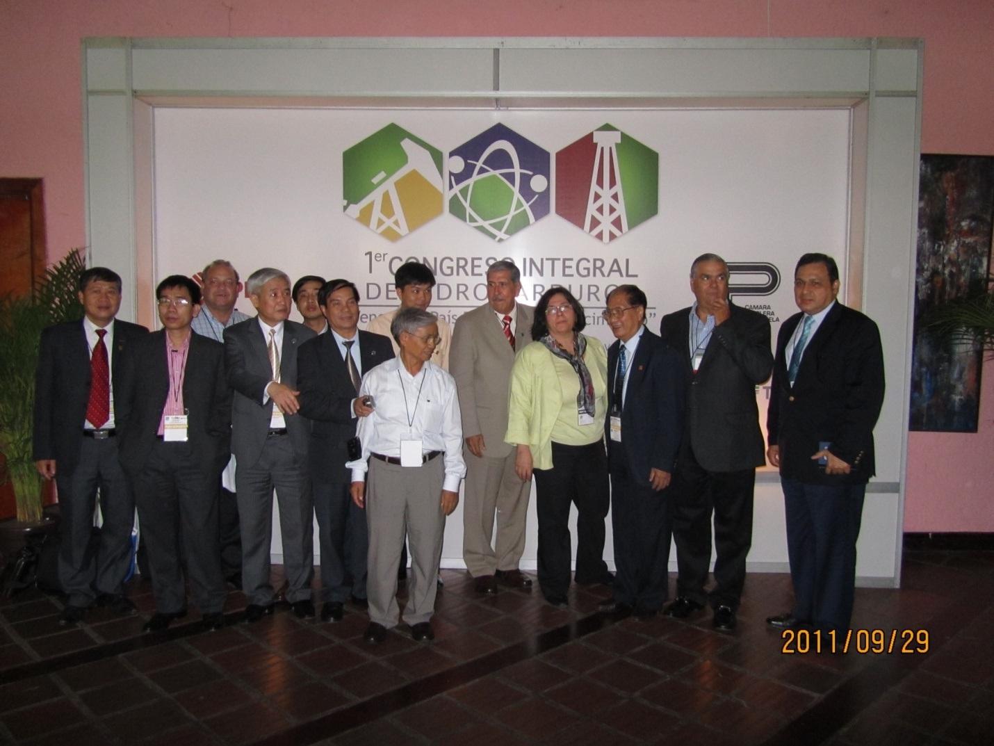 tham-venezuela-hoa-hau-dau-lua