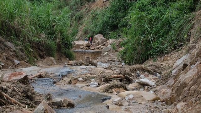 Quảng Nam đề nghị tiếp tế lương thực cho 3.000 dân bằng trực thăng - 2