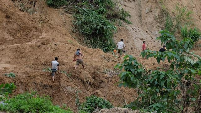 Quảng Nam đề nghị tiếp tế lương thực cho 3.000 dân bằng trực thăng - 3