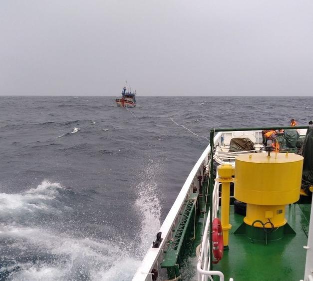 Vụ 26 ngư dân chìm tàu: 11 người gặp nạn trong khi tìm kiếm đã về an toàn
