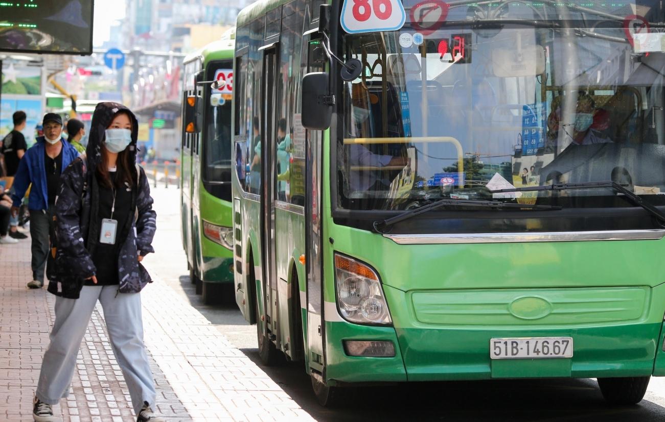 TP HCM: Vận tải hành khách công cộng dần được mở lại