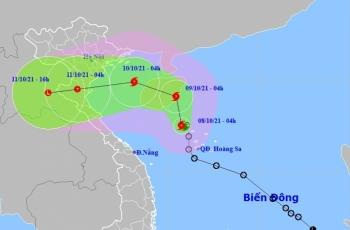 Bão số 7 giật cấp 10 gần quần đảo Hoàng Sa, Bắc Bộ và phía Bắc của Trung Bộ chuẩn bị mưa lớn