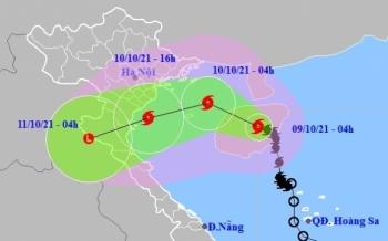 Bão số 7 gió giật cấp 10, tiếp tục tăng cấp khi vào Vịnh Bắc Bộ