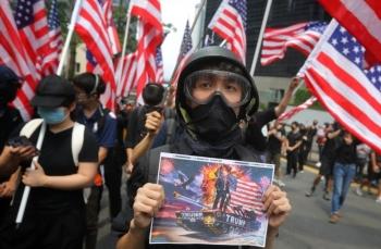 Tin tức thế giới 28/11: Trung Quốc đe dọa và nói Mỹ nham hiểm khi ký đạo luật Hong Kong