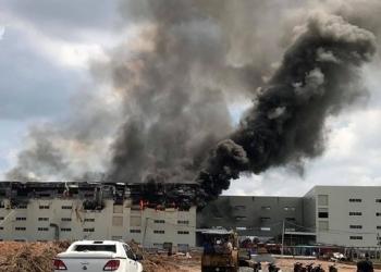 Cháy lớn tại công ty sản xuất ghế sofa ở Bình Dương