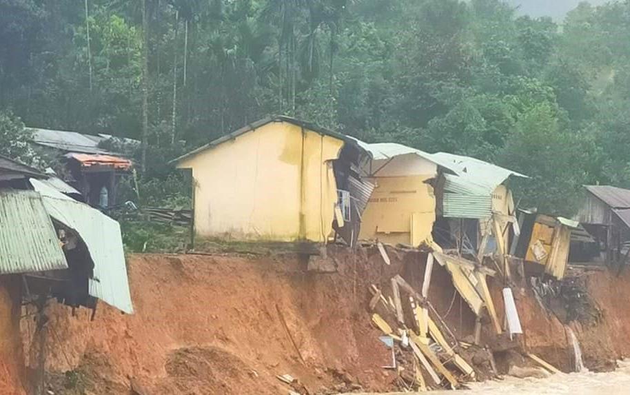 Thêm vụ sạt lở ở Trà Leng, Quảng Nam ứng phó mưa lớn