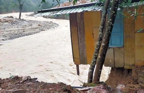 Quảng Nam: Lũ lớn cuốn trôi 14 nhà dân ở Trà Leng