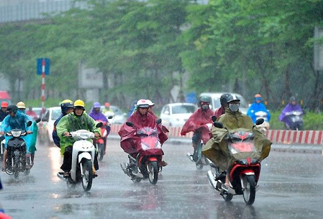 Cả nước mưa dông, nhiều nơi mưa lớn, riêng Nam Trung Bộ nắng nóng