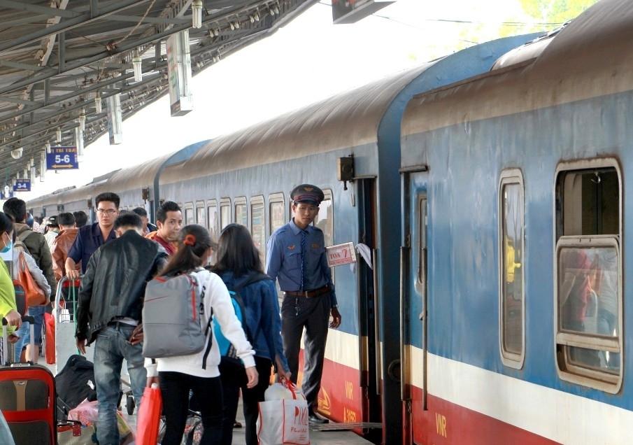Khuyến khích hành khách đi tàu hỏa, 8.000 vé tàu giảm giá tới 50%