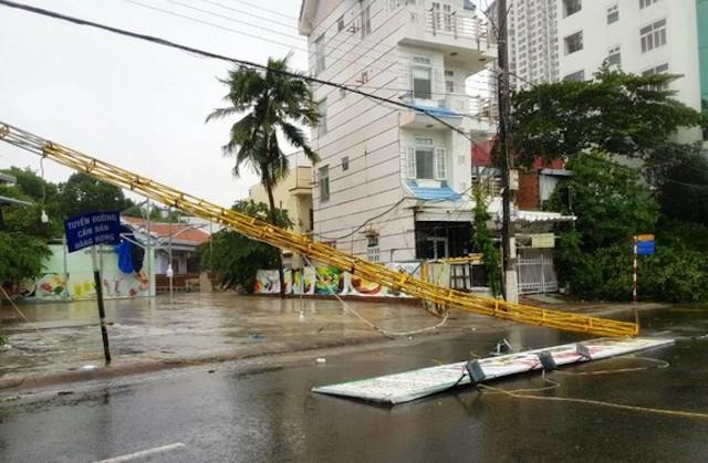 Thiệt hại do bão số 12: 2 người chết, hàng chục nhà dân bị hư hỏng, tốc mái
